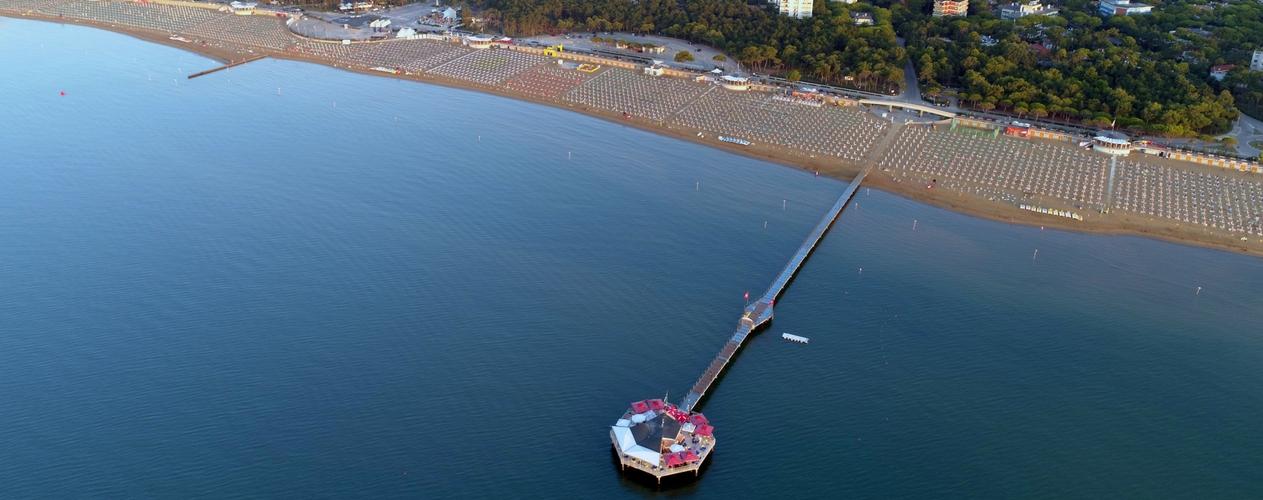 Ein sommer reich an neuigkeiten am strand von lignano for Bagno 7 bis lignano pineta
